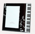 Frame: Black Treble Clef and Notes/Kybd